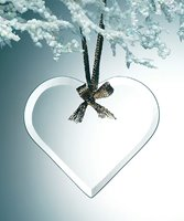 Picture of Glass Heart Tree Ornament