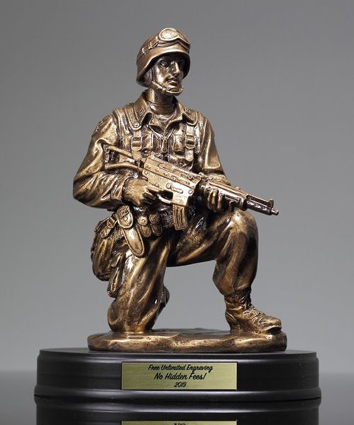 Picture of US Military Kneeling Rifle