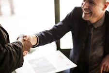 The Importance/Benefits of Employee Recognition + Ideas & Tips